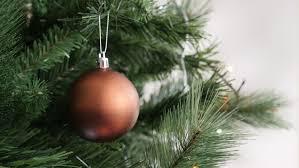 shallow dof christmas tree bauble decoration 4k 2160p 30fps