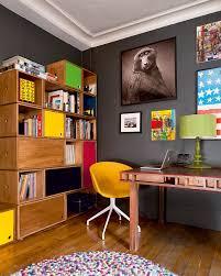 le de bureau jaune un bureau dans une pièce nos exemples à copier