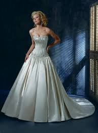 wedding dresses that you look slimmer to poof or not to poof what made you look thinner weddingbee