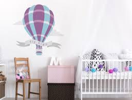 heißluftballon kinderzimmer kinderzimmer wandtattoo mit heißluftballon in blau und violett i