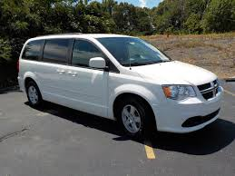 certified pre owned 2013 dodge grand caravan sxt mini van