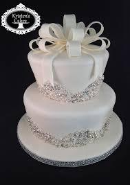 wedding shower cakes best 25 bling bridal showers ideas on diy flower