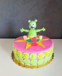 viac ako 25 najlepších nápadov na tému gummy bear cakes na