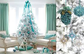 traditional similiar color tree decorations keywords together with