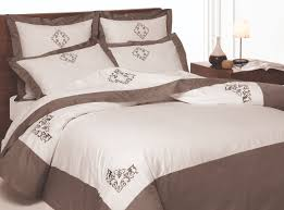 luxury bed linens made of silk cotton or linen fabric what u0027s the