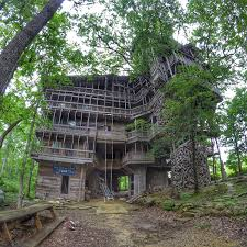 minister u0027s treehouse a divine structure in middle tennessee