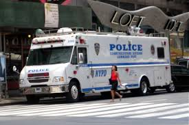 police truck file 2011nyc police command post truck 1 jpg wikimedia commons