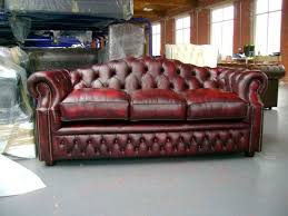 canap style chesterfield canapé de style chesterfield en cuir 3 places