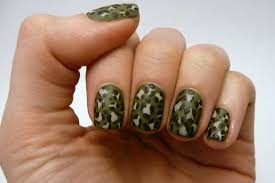 cute camouflage acrylic nails designs for beginners