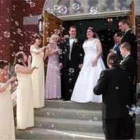 bulles de savon mariage sortie de l eglise mariage decorations sortie