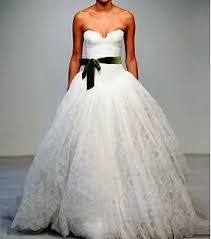 vera wang wedding dresses 2010 the wedding inspirations december 2010