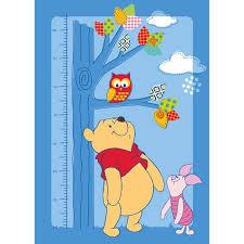tapis de chambre winnie l ourson winnie l ourson tapis toise pour chambre enfant 95x133 cm achat