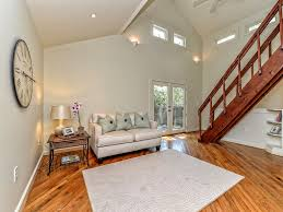 walk to downtown austin acl town lake sx vrbo living room with 20 ceilings