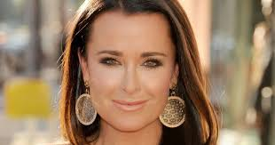 kyle richards hair extensions beautytiptoday com beverly hills housewife kyle richards has one