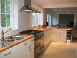 White Gloss Kitchen Ideas White Gloss Kitchen With Wood Worktop Google Search Kitchen
