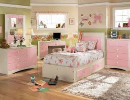 Bedding Sets For Little Girls by Girls Bedroom Set Graham Bedroom Set 12 Photos Gallery Of What