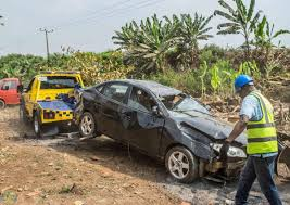 foto bdg land rover 3 wounded as a hyundai car lost control at ikorodu autojosh