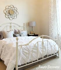 bedroom decorating ideas on simple bedroom ideas decorating