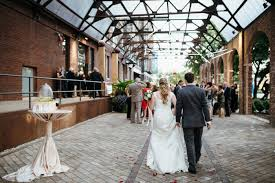Outdoor Wedding Venues Chicago Bridgeport Art Center Wedding Chicago Documentary Wedding And