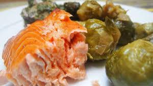 cuisiner un filet de saumon filet de saumon d inspiration asiatique recette par cuisiner en paix