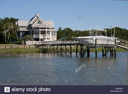 Beautiful Homes Beautiful Homes Line The Intracoastal Waterway Along The Isle Of