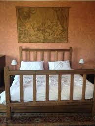 Emperor Size Bed Large Group House Near Abergavenny Monmouthshire