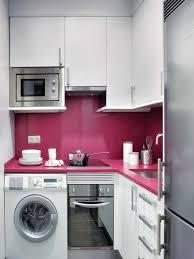 küche pink moderne kleine wohnung mit schlichter einrichtung und akzenten in pink