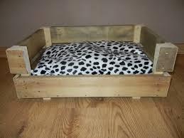 canapé lit pour chien panier canapé lit pour chien ou en bois création bois