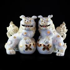 images of foo dogs lot 275 porcelain japanese foo dogs akiba antiques