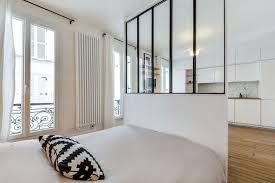 comment cr馥r une chambre dans un salon aménager une chambre dans un studio conseils et astuces côté