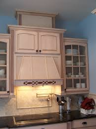 cleaning kitchen cabinet and bath cabinet mullion glass doors