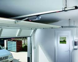 puertas de cocheras automaticas puertas autom磧ticas de garaje seccionales eninter