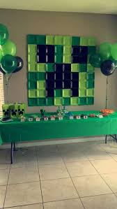 Minecraft Party Centerpieces by Minecraft Birthday Party Ideas Backdrops Squares And Birthdays