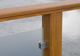 handlauf holz balkon terrassengeländer balkongeländer balkongeländer aus lärchenholz