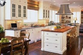 cuisine avec piano central modele de cuisine americaine avec ilot central presque spatiale