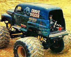 original grave digger monster truck monster mudder truck nicely detailed mudder trucks pinterest