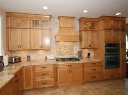 Maple Cabinets With Mocha Glaze Best 25 Kraftmaid Cabinets Ideas On Pinterest Gray And White