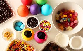 Decorating Eggs 15 Fantastic Ideas For Dyeing And Decorating Easter Eggs Parentmap