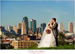 wedding photographers kansas city kirsten alex hobbs building kansas city wedding photography