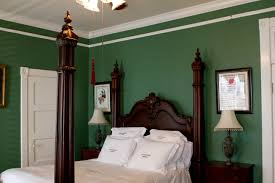 bedroom what color curtains go with green walls lime green