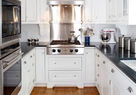 cuisine dans petit espace cuisine petit espace impressionnant cuisine petit espace deco