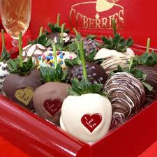 where to buy chocolate dipped strawberries real chocolate covered strawberries dipped to order in