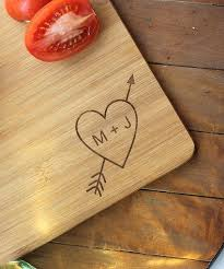 Small Woodworking Projects For Gifts by Best 25 Personalized Cutting Board Ideas On Pinterest Creative