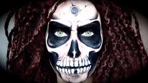 Skeleton Face Painting For Halloween by 10 Totally F U0027d Up Halloween Makeup Looks To Terrify Trick Or