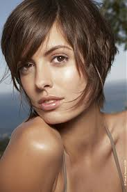 womens haircuts for strong jaw hairstyles for square faces