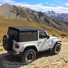 new jeep wrangler jl first in action photos videos of 2018 wrangler jl and jlu