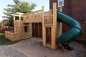 Playhouses For Backyard by 16 Diy Playhouses Your Kids Will Love To Play In The Self