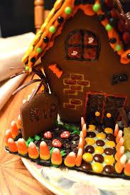 simple savory u0026 satisfying haunted gingerbread house ideas