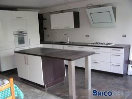 cuisine blanche mur aubergine cuisine peinture pour les murs et fermeture plafond help