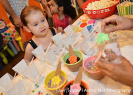 how to set up a diy ice cream station at a birthday party